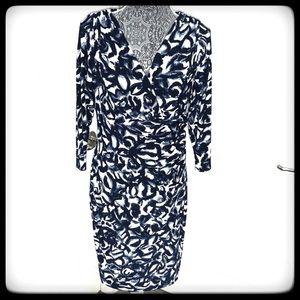 📂LAUREN Dress Blue/Wht Floral Wrap neck & hem 12